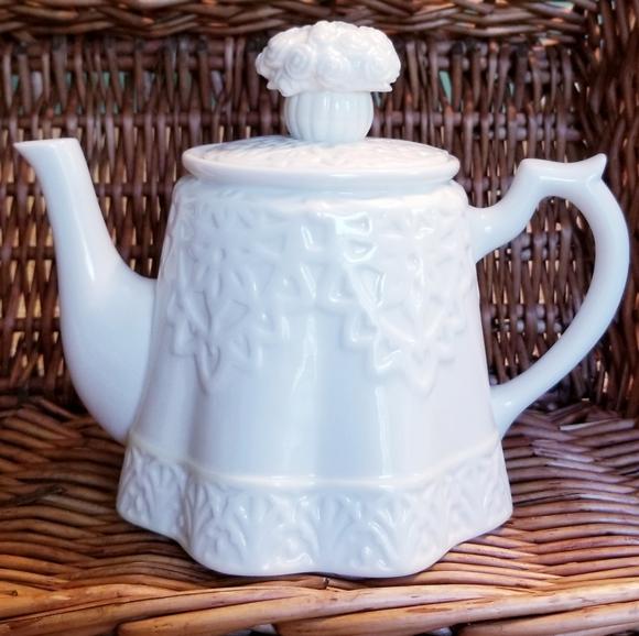 White Cottage Roses Teapot